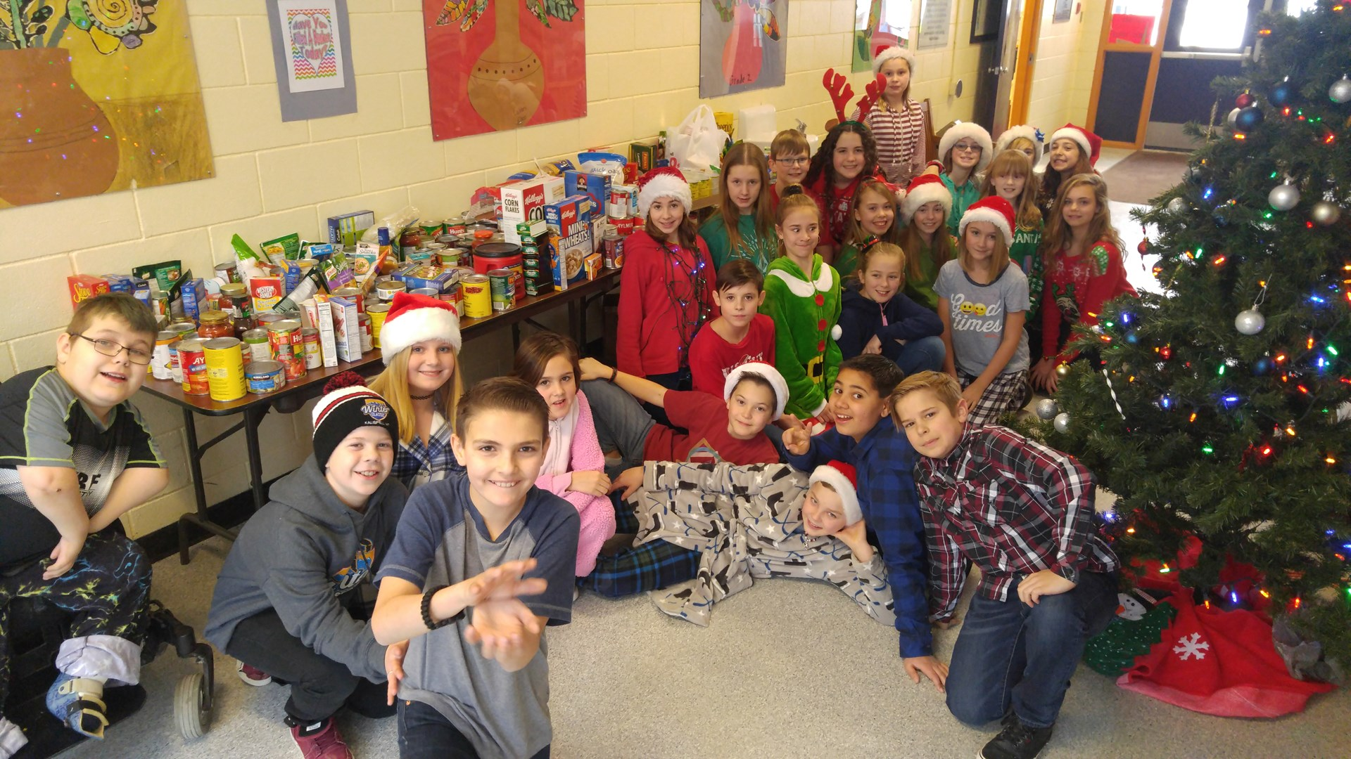 Highlands Elementary School Food Bank Donations!